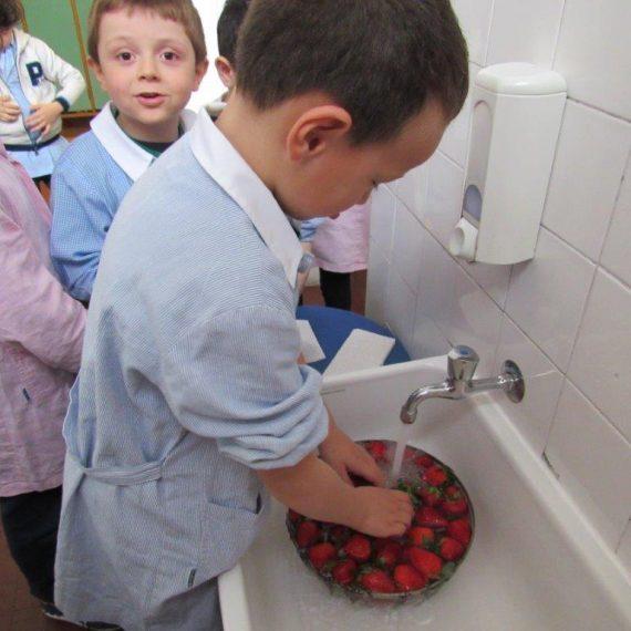 Festa della mamma, scuola per l'infanzia di Milano, la Zolla