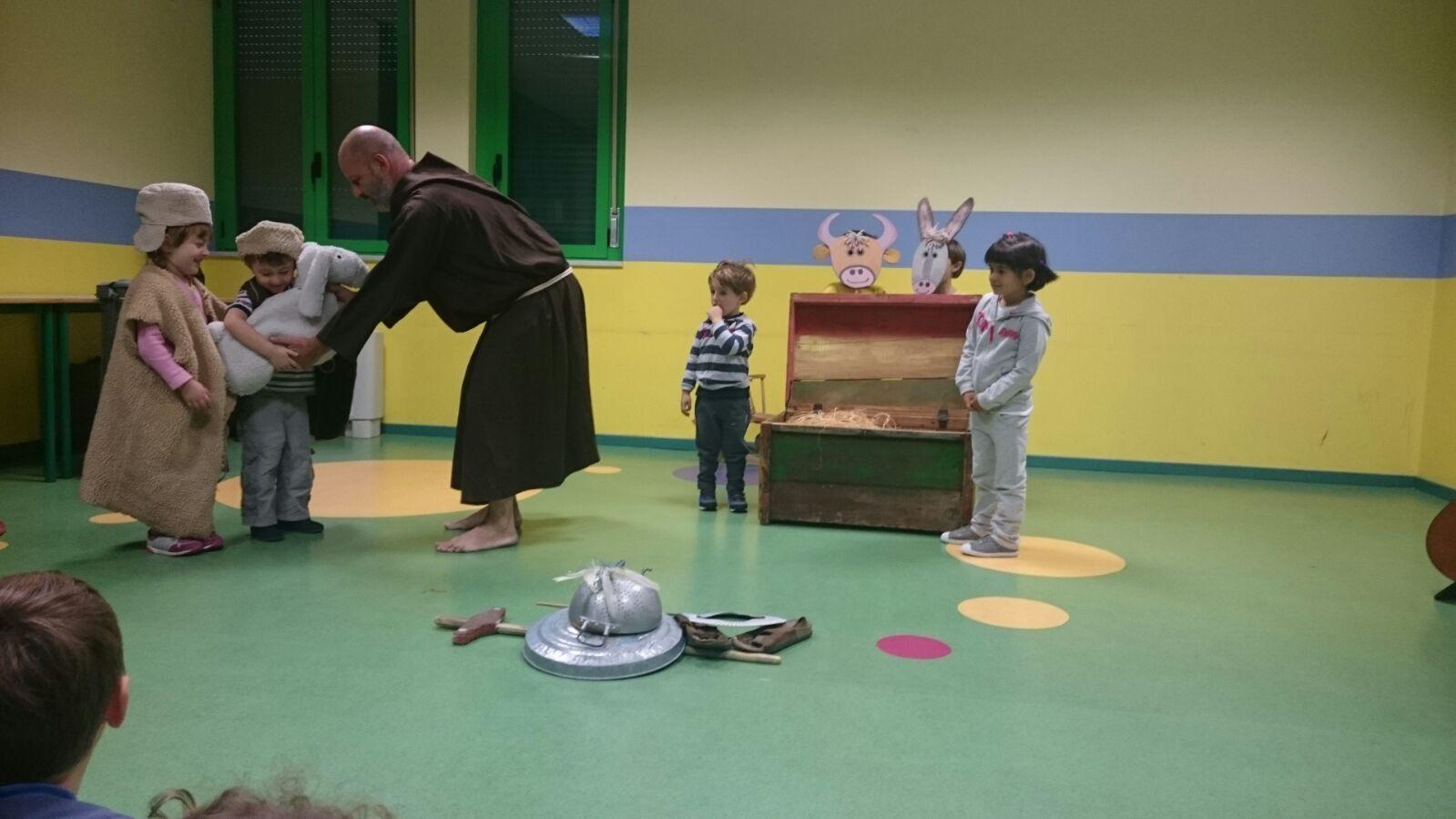 la storia di san francesco alla scuola dell'infanzia di piazzale Brescia